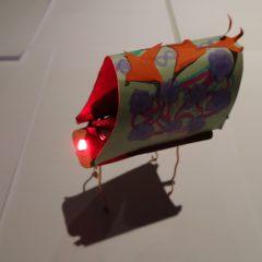 Le petit robot d'un participant qui l'a construit et décoré