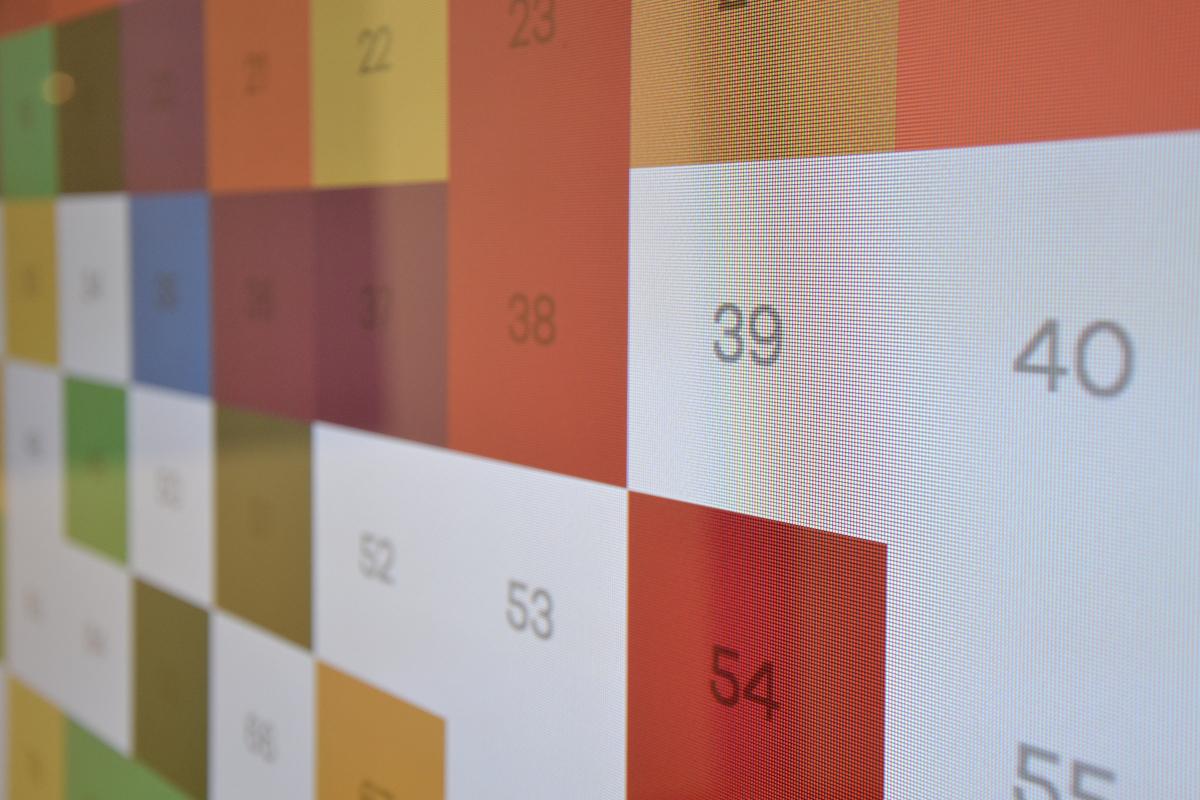 Détail « Maillage » (2020), une peinture interactive créée par Thomas Guitton, Alan Hanafi, Dorian Doan et Yaël Halimi, étudiants en « Creative Coding » de Tomek Jarolim