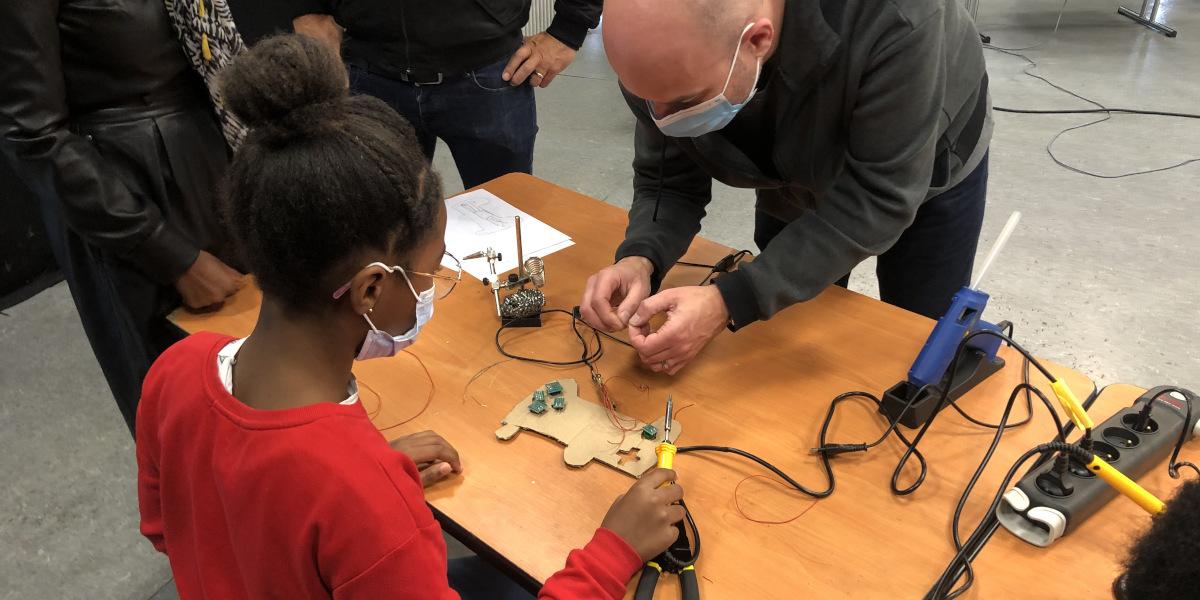 Ateliers créatifs et technologiques en Micro-Folie